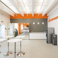 Commercial Spaces by Wide Design Group,