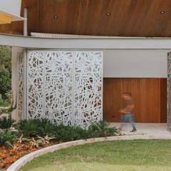 Casa Antioquia: Casas de estilo  por Mateo Soto Fotografía, Tropical