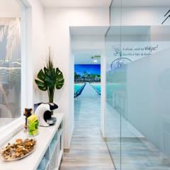 Projecto Agência de viagens - Multidestinos Av. Berna, Lisboa Espaços de trabalho minimalistas por Mariline Pereira - Interior Design Lda. Minimalista
