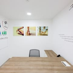 Projecto Agência de viagens - Multidestinos Av. Berna, Lisboa: Escritórios e Espaços de trabalho  por Mariline Pereira - Interior Design Lda.,Minimalista