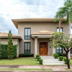 Casas unifamiliares de estilo  por Carolina Fagundes - Arquitetura e Interiores,