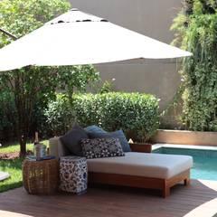 مسبح حديقة تنفيذ Carolina Fagundes - Arquitetura e Interiores,
