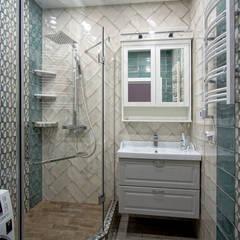 3-комнатная квартира в г.Краснодаре: Ванные комнаты в . Автор – Студия интерьерного дизайна happy.design, Модерн