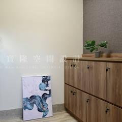 Gimnasios en casa de estilo  por SING萬寶隆空間設計,