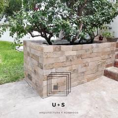 : Casas multifamiliares de estilo  por U+S Arquitectura y Acabados,