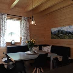 Dining room by THULE Blockhaus GmbH - Ihr Fertigbausatz für ein Holzhaus, Rustic Wood Wood effect