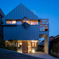 Casas unifamiliares de estilo  por FUMIASO ARCHITECT & ASSOCIATES/ 阿曽芙実建築設計事務所, Escandinavo Metal