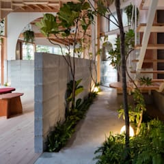 Study/office by FUMIASO ARCHITECT & ASSOCIATES/ 阿曽芙実建築設計事務所, Mediterranean Wood Wood effect