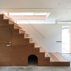 Here, There, Over there,: FUMIASO ARCHITECT & ASSOCIATES/ 阿曽芙実建築設計事務所が手掛けた廊下 & 玄関です。,