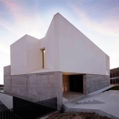 Ruang Komersial oleh TEÓFILO. Carpintería de Aluminio