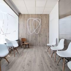 Clínicas de estilo  por POA Estudio Arquitectura y Reformas en Córdoba, Escandinavo