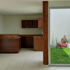 Small-kitchens توسطEM  Arquitectura, مینیمالیستیک الوار Multicolored
