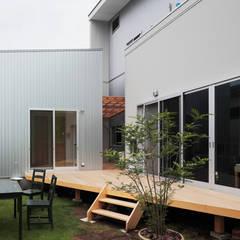 Balcón de estilo  por 一級建築士事務所あとりえ, Asiático