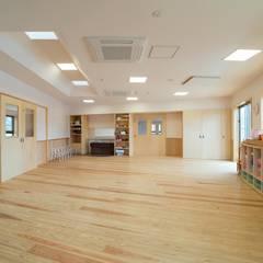 Nursery/kid's room by 一級建築士事務所あとりえ, Asian