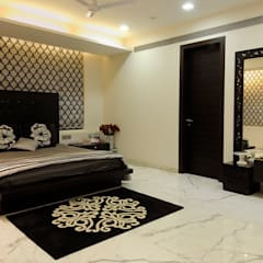 Small bedroom by JAY ENTERPRISES, Classic Wood Wood effect