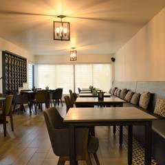 Mina arquitectos의  레스토랑, 북유럽