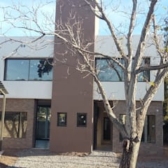 Housing Gobernador Olmos: Casas multifamiliares de estilo  por Rojas Guri Arquitectos,Minimalista Hierro/Acero