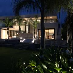 Oleh Maximiliano Lago Arquitectura - Estudio Azteca Modern