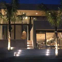 CASA HORMIGON: Casas unifamiliares de estilo  por Maximiliano Lago Arquitectura - Estudio Azteca,Moderno