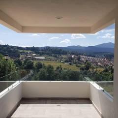 Balkon door EM  Arquitectura, Mediterraan Hout Hout