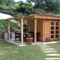 Casetas de jardín de estilo  por CASETTE ITALIA CASETTE DI LEGNO, Clásico