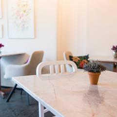 Dalia - Café Bouquet: Restaurantes de estilo  por Taller Interno - Interiorismo y Paisajismo, Moderno