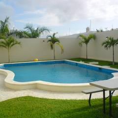 Garden Pool by ALBERCAS Y MAS, Modern Concrete