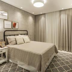 Bedroom by Juliana Agner Arquitetura e Interiores,