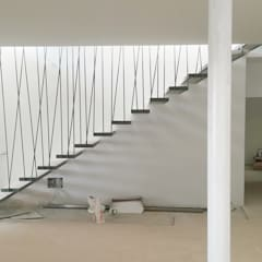 Stairs by Taqnia arquitectos,