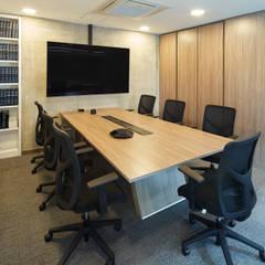 MBA Networks : Salas de estilo  por Servex Colombia,