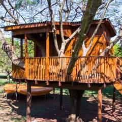 كوخ تنفيذ Due Z Arquitetura , ريفي خشب Wood effect