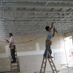 Study/office by JMR TODO EN CONSTRUCCION, REMODELACION Y ACABADOS, Industrial Metal