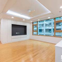 신정동 제이월드빌 41py: 곤디자인 (GON Design)의  거실,모던