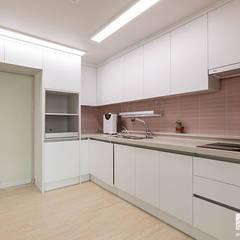 부천 상동 사랑마을 39py: 곤디자인 (GON Design)의  주방 설비,모던