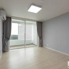 부천 상동 사랑마을 39py: 곤디자인 (GON Design)의  방,모던