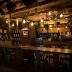 Bars & clubs توسط므나 디자인 스튜디오