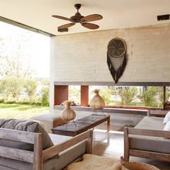 Casa El Canton Jardines minimalistas de T + T arquitectos Minimalista