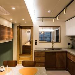 용인 수지구 U 아파트| Residence: 므나 디자인 스튜디오의  주방,