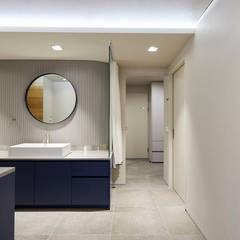 일산 마두동 강촌마을 아파트| Residence: 므나 디자인 스튜디오의  침실,미니멀