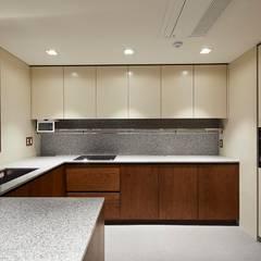 기흥구 D 아파트| Residence: 므나 디자인 스튜디오의  주방,모던