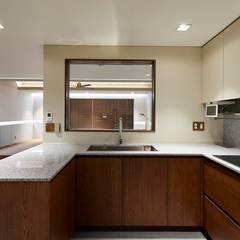기흥구 D 아파트| Residence: 므나 디자인 스튜디오의  주방,