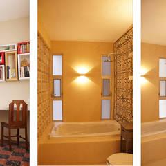 """B&B """"La Galería"""": Baños de estilo  por Escaleno Taller de Diseño, Ecléctico"""