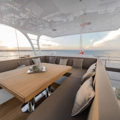 Yachts & jets by Front Side Studio, Minimalist