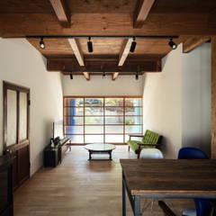 Wooden windows by 山本嘉寛建築設計事務所 YYAA,