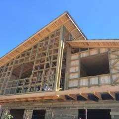 Vista Principal: Casas de estilo  por Loberia Arquitectura, Clásico