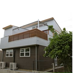 オーバーハングの家: 株式会社高野設計工房が手掛けた木造住宅です。,モダン