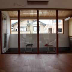 Wooden windows by 株式会社高野設計工房,