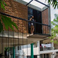 Passive house by Taller del patio, Industrial Bricks
