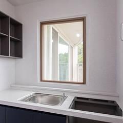 은평뉴타운 상림마을 푸르지오 아파트 41PY: 곤디자인 (GON Design)의  작은 주방,