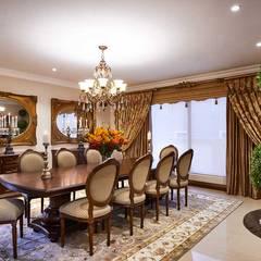European Influence Villa:  Dining room by Da Rocha Interiors,